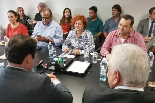 Maior prazo para obter certificações e reajuste no quilômetro rodado foram alguns dos avanços obtidos junto ao Santander