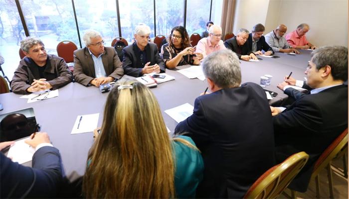 Instalação de portas de segurança e a ampliação do projeto piloto foram os principais pontos da reunião