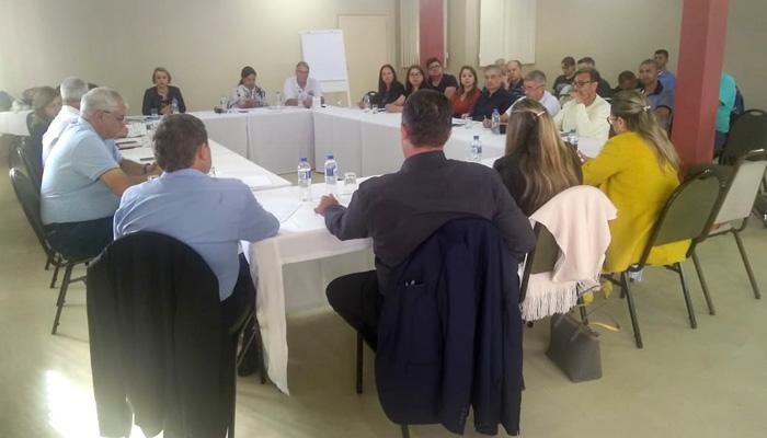 Os dirigentes sindicais deixaram claro na reunião que se as reivindicações não foram atendidas serão desenvolvidas ações em âmbito nacional para resolver os problemas