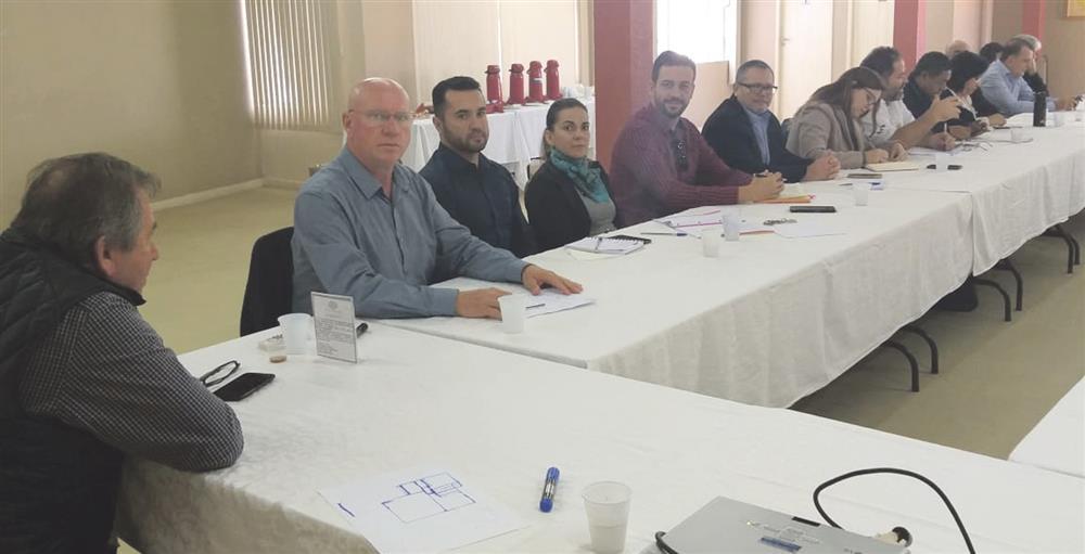 Dirigentes sindicais cutistas do Paraná cobraram respostas sobre a reestruturação que está ocorrendo no Itaú