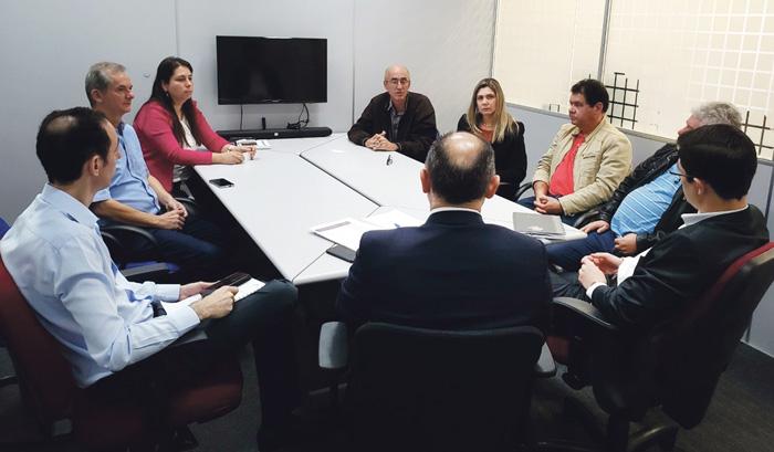 Dirigentes dos quatro Sindicatos do Vida Bancária participaram da reunião em Londrina