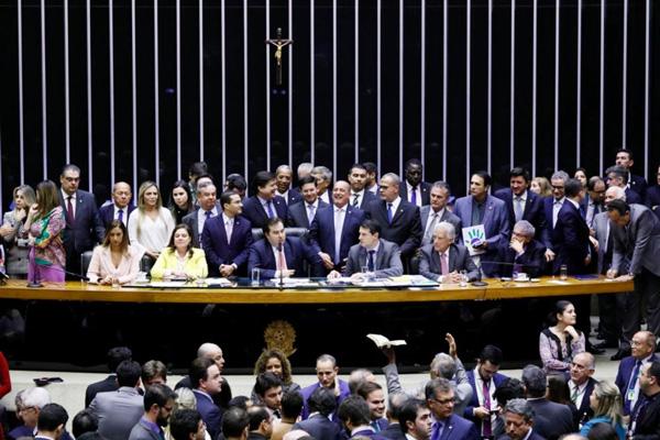 Partidos de oposição conseguiram aprovar destaques que amenizaram algumas regras da aposentadoria - Foto: Luis Macedo/Agência Cãmara
