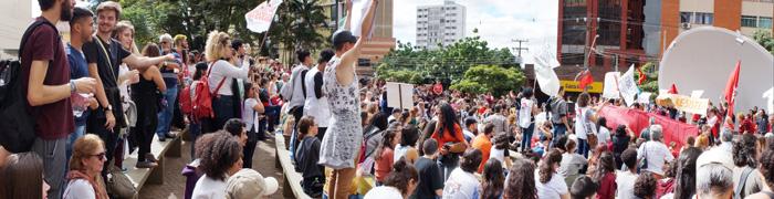 A mobilização em defesa da Educação foi encerrada na Concha Acústica, palco de outras lutas históricas da Classe Trabalhadora em Londrina