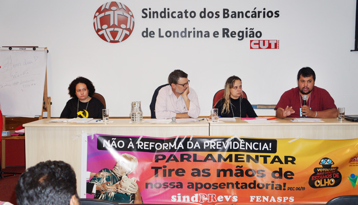 A Plenária discutiu como será a organização da Greve Geral em Londrina contra a reforma da Previdência
