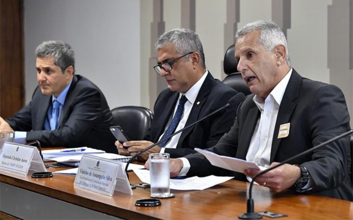Contraf-CUT participa de audiência pública da Comissão Mista em Brasília