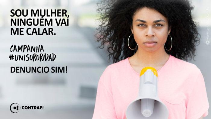 Mulheres protestam contra a violência nesta quinta-feira (25)