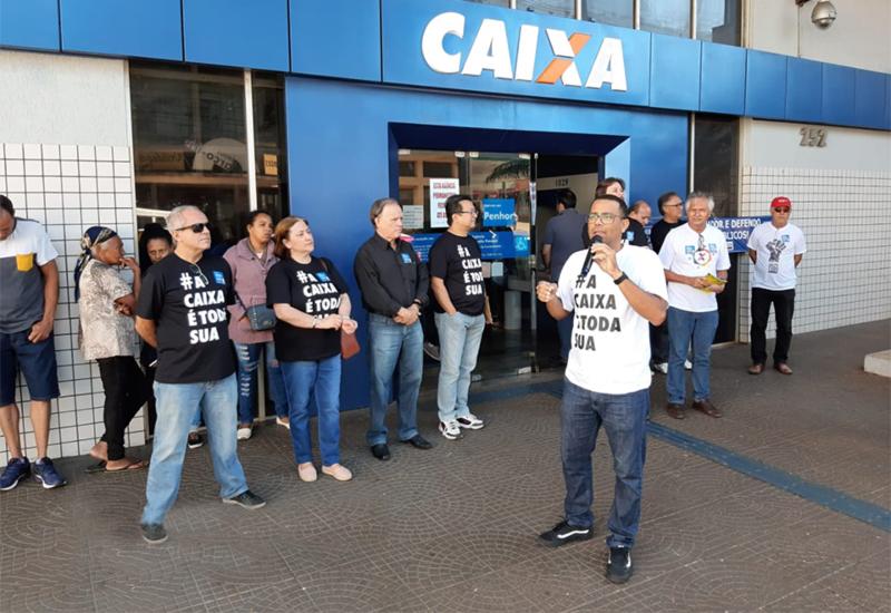 Ivaí Lopes Barroso, presidente do Sindicato, falou sobre a importância da Caixa para as camadas mais pobres do País