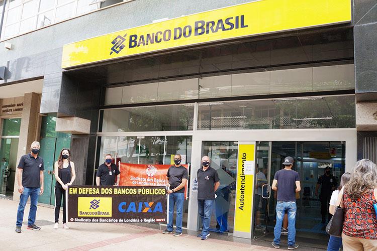 Além de reuniões com os funcionários, o Sindicato retardou a abertura do prédio central do Banco do Brasil nesta sexta-feira (15)