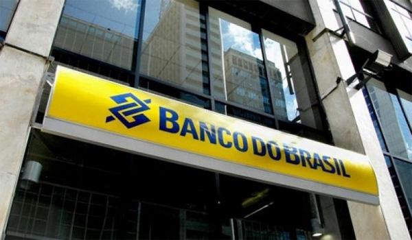 Funcionários entregam reivindicações para o Banco do Brasil