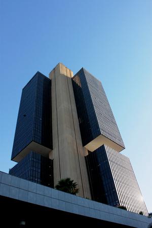 Nova lei de Temer amplia poderes do Banco Central