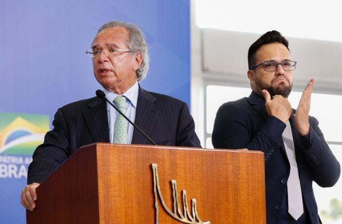 Receita apresentada pelo ministro-banqueiro, Paulo Guedes, para tirar o Brasil da crise é retirada de direitos do trabalhador e recriação da CPMF