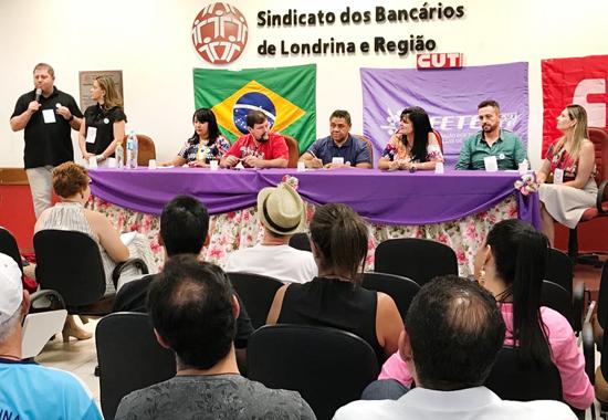 O presidente do Sindicato de Londrina, Felipe Pacheco (à esq.), cumprimentou os participantes do Seminário