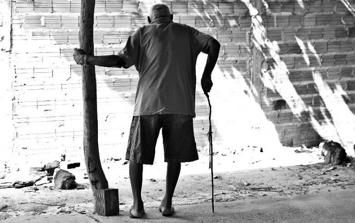 Fragilização da Previdência e enfraquecimento das políticas públicas aumentam vulnerabilidade social