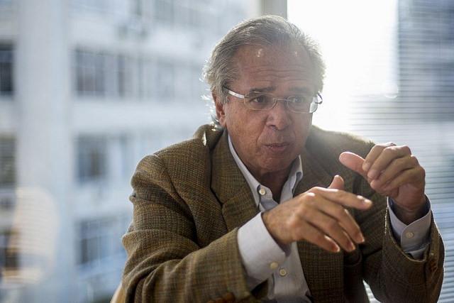 """Guedes alega que o Mercosul foi """"feito totalmente ideológico"""" e que só há negociação """"com gente que tiver inclinações bolivarianas""""  / (Foto: Daniel Ramalho/AFP)"""