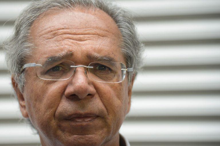 Ministério Público investiga Paulo Guedes por prejuízo no fundo de pensão dos funcionários da Caixa