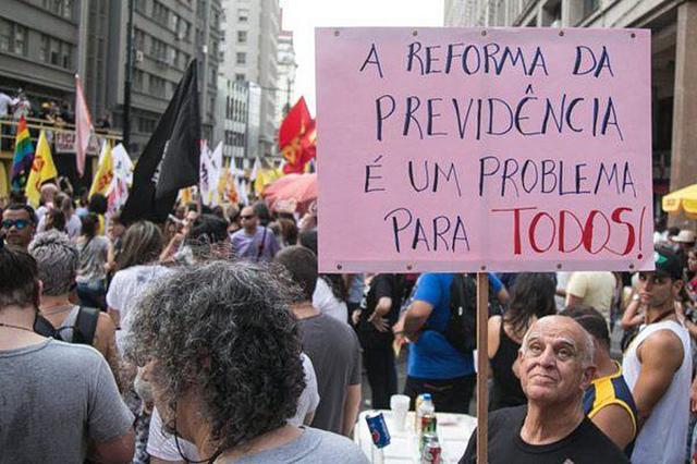 Motivos para a reforma ou não existem ou poderiam ser resolvidos de forma muito menos traumática para os trabalhadores / Foto: Guilherme Santos/Sul21