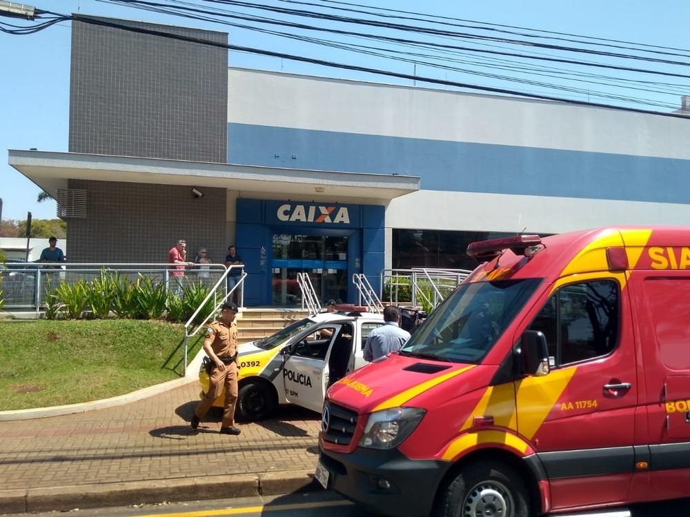 Agência Caixa Econômica Federal foi roubada em Londrina (Foto: Dionisio Mathias/RPC)